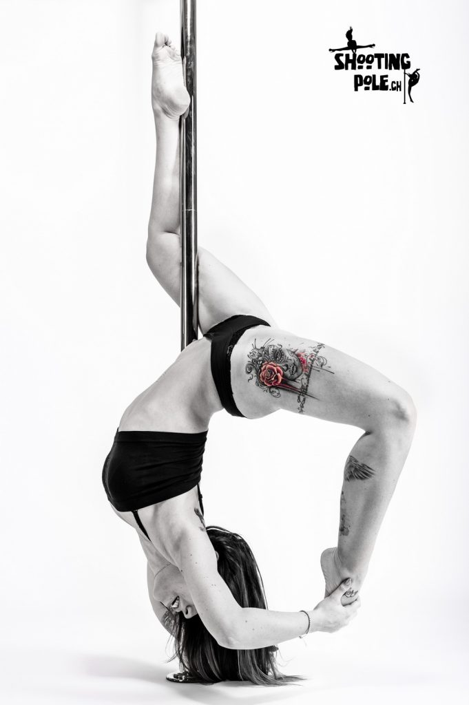 Shooting Pole Dance - Sara - Neuchatel - Closed Inside Leg Hang